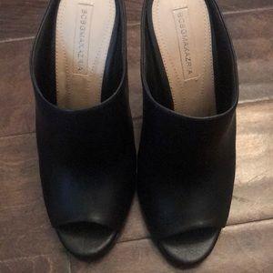 BCBG MAXAZRIA Black sandal